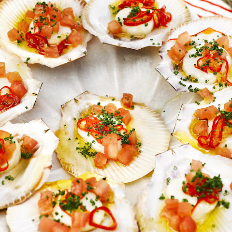 Scallops with Tomatoes and Chili