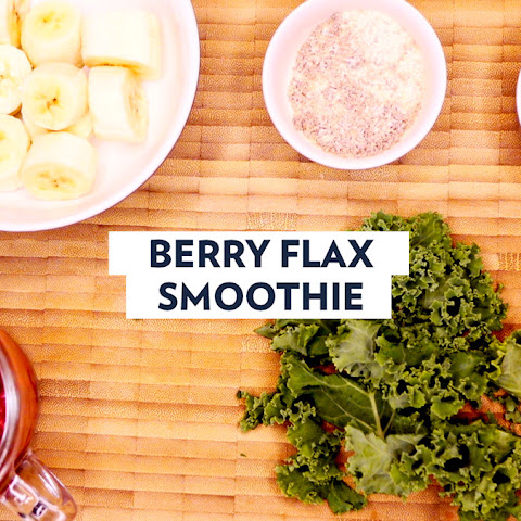 BERRY SMOOTHIE with FLAX