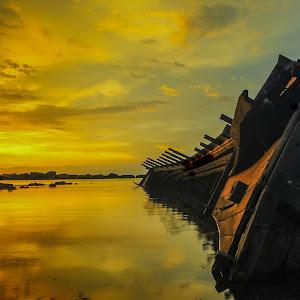 shipwrecked 1.jpg