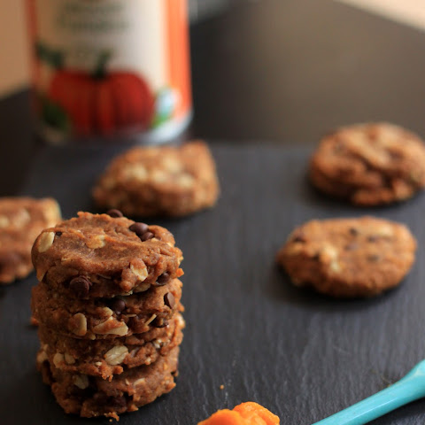 Chewy Pumpkin Chocolate Chip Oatmeal Cookies
