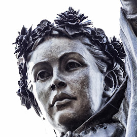 To see a Fine Lady by Carol Henson - Buildings & Architecture Statues & Monuments ( banbury, statue, fine lady )