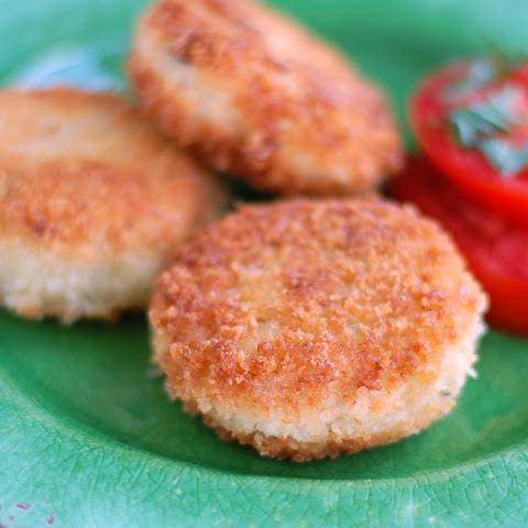 Mom's famous Chicken Cakes