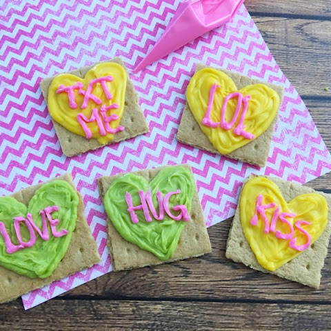 Conversation Hearts Valentine's Day Graham Crackers