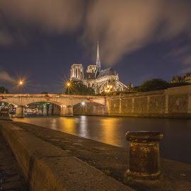 la bite à notre dame by Familia Neves - City,  Street & Park  Historic Districts ( paris, dame, neves, notre-dame, paris by night, long exposure, paulo )