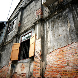 Old house by คนรักทะเล จิงๆนะ - Buildings & Architecture Homes