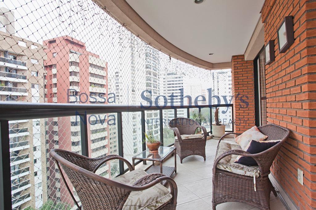 Apartamento próximo ao parque do Ibirapuera.