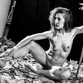 Maria Ginevra by Davide Dilevrano - Nudes & Boudoir Artistic Nude