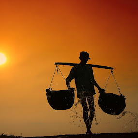 The Salt Maker by Alit  Apriyana - People Street & Candids ( bali, traditional, kusamba, salt )
