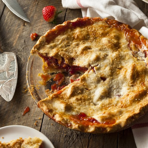 Easy Strawberry-Rhubarb Pie
