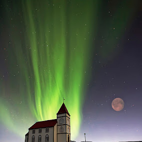 Holy Lights by Þorsteinn H. Ingibergsson - Buildings & Architecture Places of Worship ( iceland, sky, church, nature, aurora borealis, structor, night )