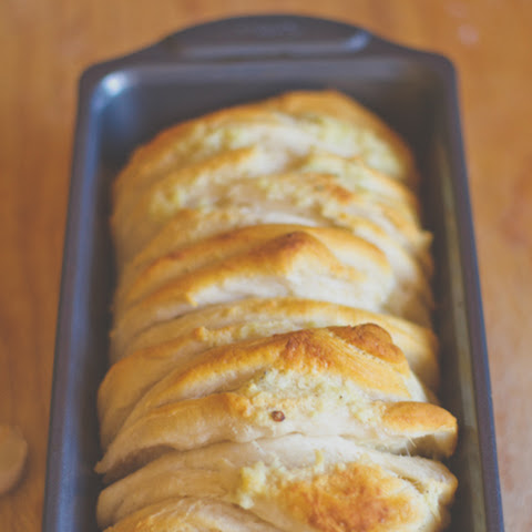 Garlicky Pull-Apart Bread for Lazy People
