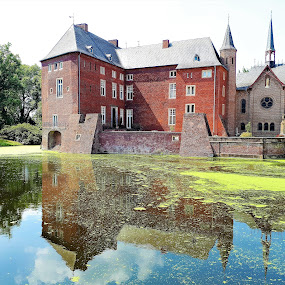 Castle Wissen by Svetlana Saenkova - Instagram & Mobile Android ( water reflection, pond, schloss, castle, germany, green water, historical,  )