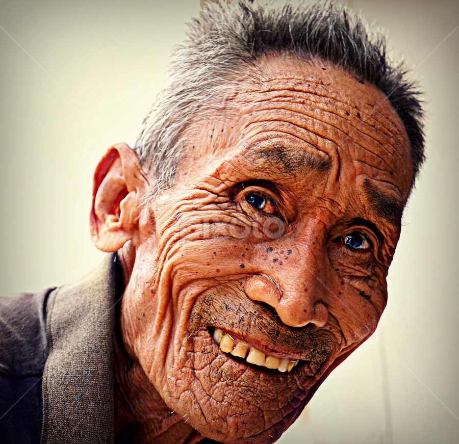 A Happy Life. by Ian Gledhill - People Portraits of Men ( street, thailand, asia, senior citizen, men, portraits, people, man, portrait, face, people. portrait, streets, children, work, , photography, closeup, close, up )