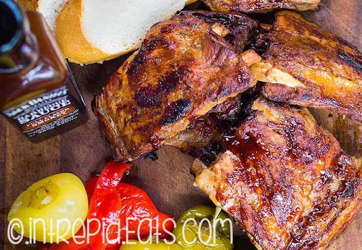 Oven baked pork ribs with a Jack Daniels barbecue sauce. Recept ...