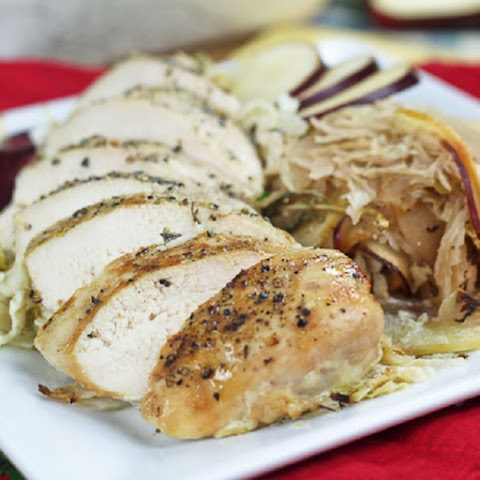 ‎Roasted Chicken Breasts with Cabbage and Apples
