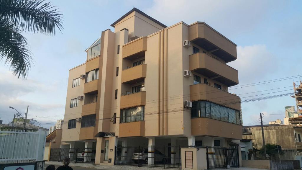 Apartamento com 2 dormitórios para alugar, 90 m² por R$ 1.850/mês - Meia Praia - Itapema/SC