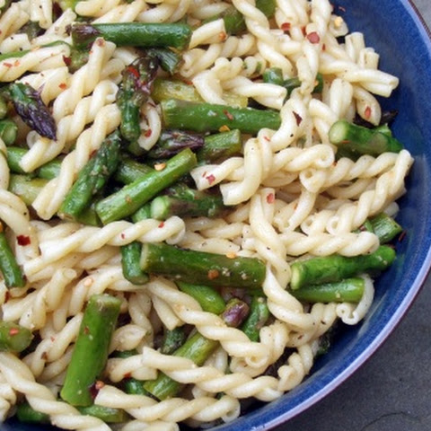 Spicy Pasta with Asparagus