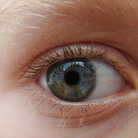 Eye by IL Oveart - People Body Parts ( blue, beautiful, close up, kid, eye )