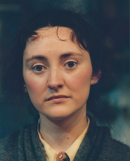 Bríd Brennan, playing the part in the 1982 Druid production, suggests an innocent vulnerability in Pegeen.