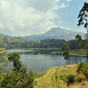 Cisanti Lake, West Java by Gunarsa Gunarsa - Landscapes Waterscapes