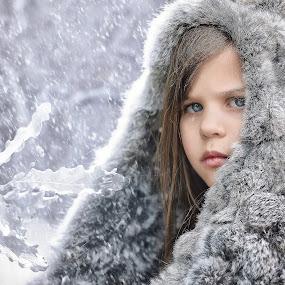 Frozen by Lucia STA - Babies & Children Child Portraits