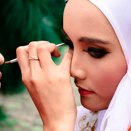 make up artist by Akang Wachid - Novices Only Portraits & People ( #photography #woman #model_indonesia #makeupartist #potrait #woman )