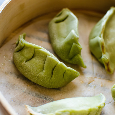 {Spinach} Green Dumpling Dough / Potsticker Dough