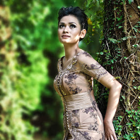 Beauty in Kebaya by Aji Patria - People Fashion