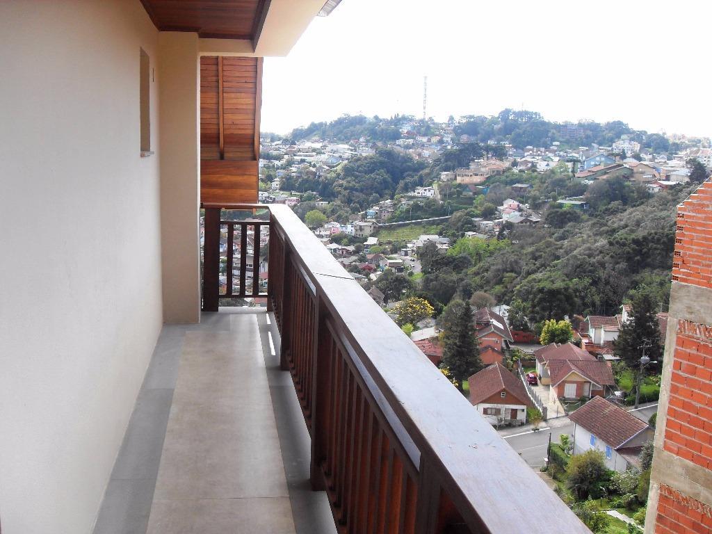 Cobertura de 3 dormitórios em Centro, Gramado - RS