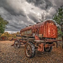 Union 76 by Evan Jones - Artistic Objects Antiques ( oregon, explore, hdr, station, automobilia, rusty, travel, photography, oil, gas, baker city, trail, sumpter )
