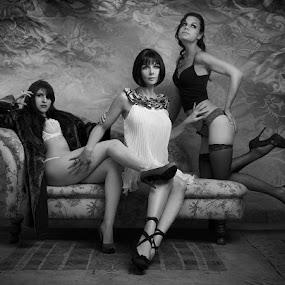 the FRONT by Fiona Foto - Nudes & Boudoir Boudoir