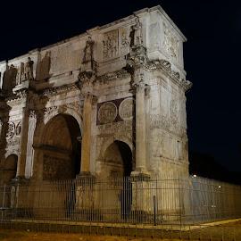 Arco di Costantino by Juan Tomas Alvarez Minobis - Buildings & Architecture Public & Historical ( moon, arch, rome, architecture, italy )