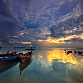 ::. Indonesian Boat .:: by Ahmad Zulharmin Fariza - Transportation Boats ( indonesian, sea, nature color, landscape, boat, batam )