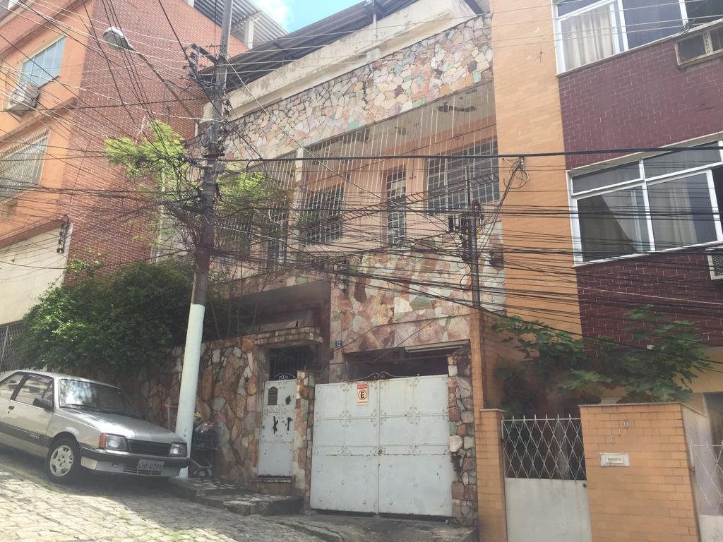 Casa com 8 dormitórios à venda, por R$ 740.000 - Engenho Nov