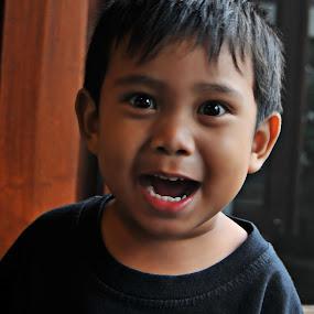 haaaaaaaa....... by Rendy Yuninta - Babies & Children Child Portraits ( child, candid, moments, photo, portrait )