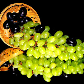 GRAPES by SANGEETA MENA  - Food & Drink Fruits & Vegetables (  )
