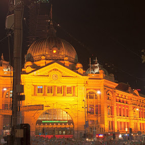 Flinders St Station by Amanda Wilson - Buildings & Architecture Public & Historical ( train station, melbourne, flinders st, victoria )