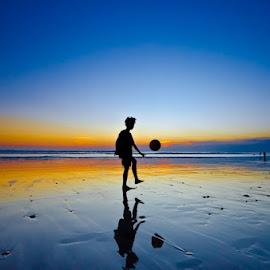 by Wisnu Taranninggrat - Sports & Fitness Soccer/Association football