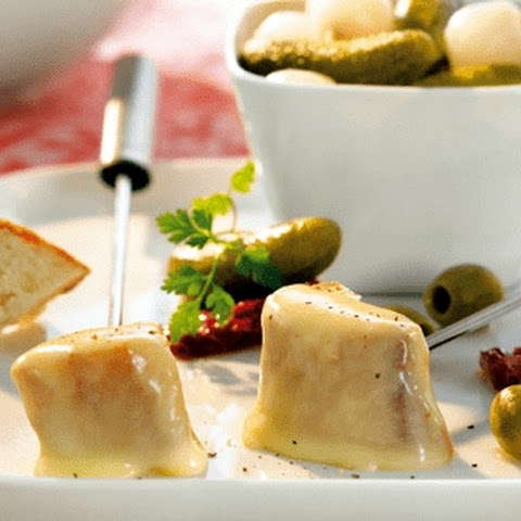 Cheese Fondue With Kirsch