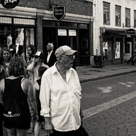... by Mélanie Fournel - City,  Street & Park  Street Scenes ( black and white, old man, street scene, people, photography,  )