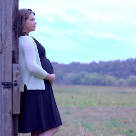 eagerly awaiting by Shannon Sommers - People Maternity ( maternity, mother, color, waiting, fall, baby, landscape, belly, mom,  )