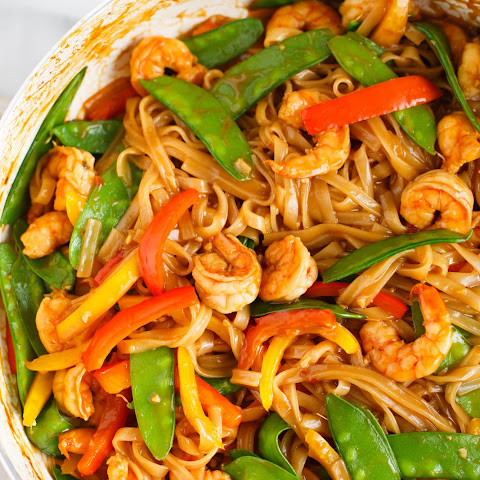 Ginger Garlic Shrimp Noodle Stir Fry
