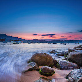 Sunrise at Acapulco by Cristobal Garciaferro Rubio - Landscapes Beaches ( shore, sand, sea, sunrise, rocks )