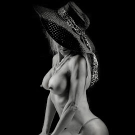 Nude with Hat by Pictures that Pop - Nudes & Boudoir Artistic Nude