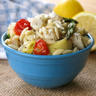 Orzo Pasta with Scallops, Artichokes, Tomatoes and Feta