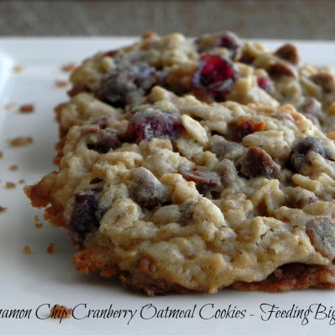 Cinnamon Chip Cranberry Oatmeal Cookies