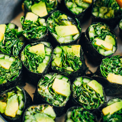 Cleansing Sushi Roll w/ Spicy Kale + Green Veggies