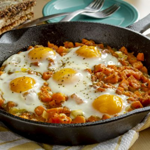 Mouth-Watering Bacon and Eggs Skillet