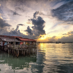 SunBurst by Joon Ming - Landscapes Sunsets & Sunrises ( sunset, penang, malaysia, sunrise, seascape, landscape, clan jetty )