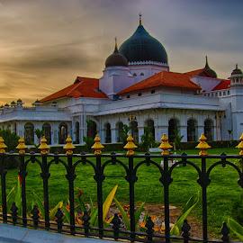 by Azran Mohd - Buildings & Architecture Public & Historical